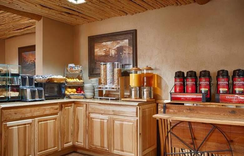 Best Western Saddleback Inn & Conference Center - Restaurant - 122
