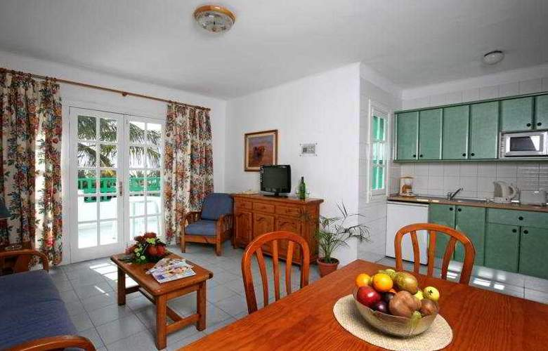 Nazaret Apartments - Room - 3