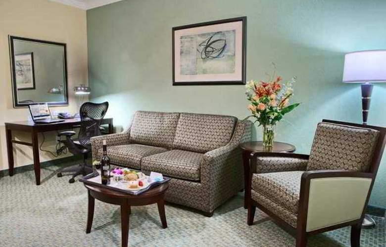 Hilton Garden Inn Tyler - Hotel - 5