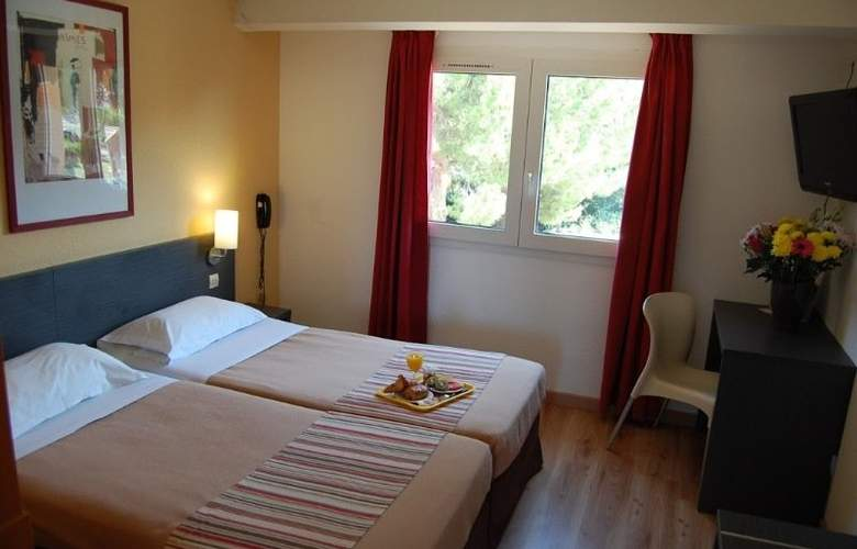 Royal Hotel Aigues Mortes - Room - 7