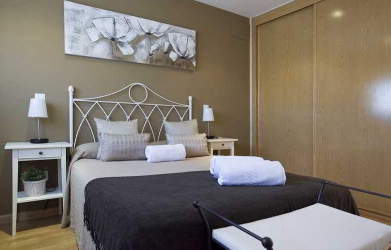 Apartamentos Numancia - Room - 5