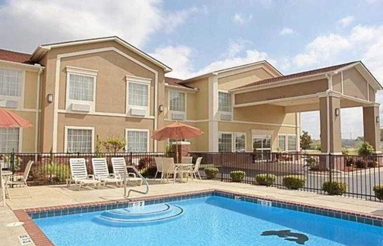 Best Western Plus Sherwood Inn & Suites - Hotel - 11