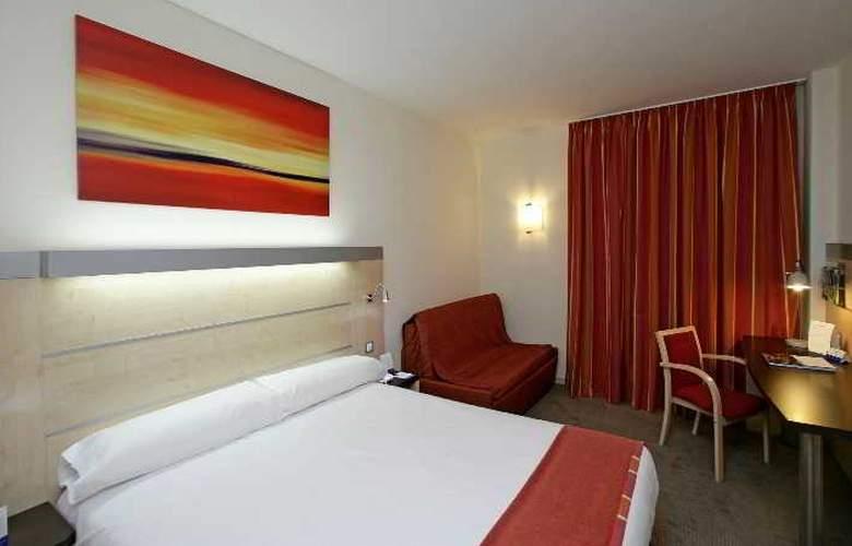 B&B Madrid Aeropuerto T1-T2-T3 - Room - 0