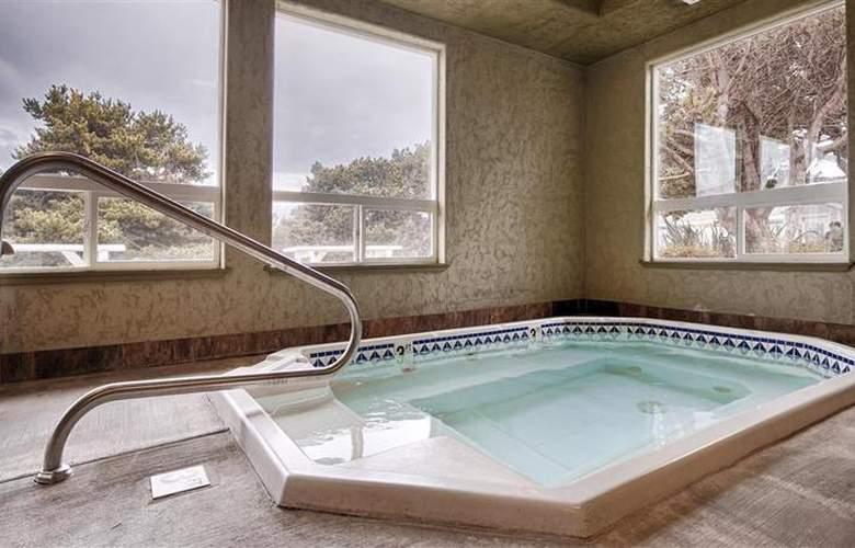 Best Western Inn at Face Rock - Pool - 80