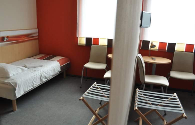 Economy Silesian Hotel - Room - 11
