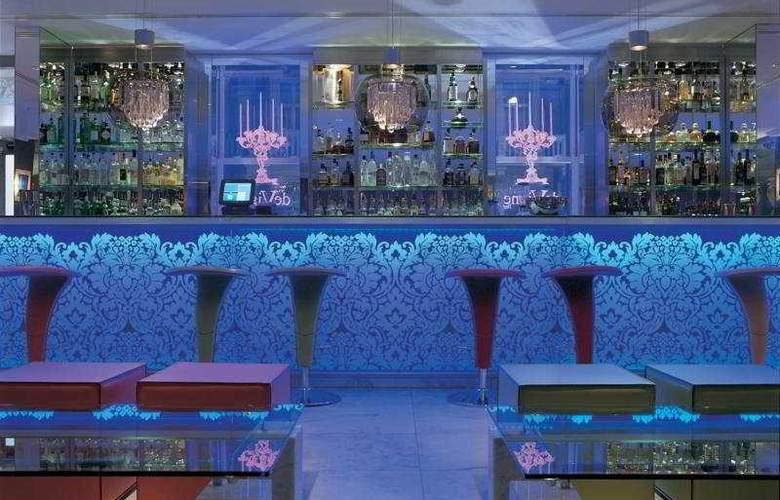 The Mandeville - Bar - 7