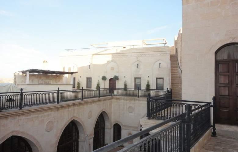 Shmayaa - Hotel - 1