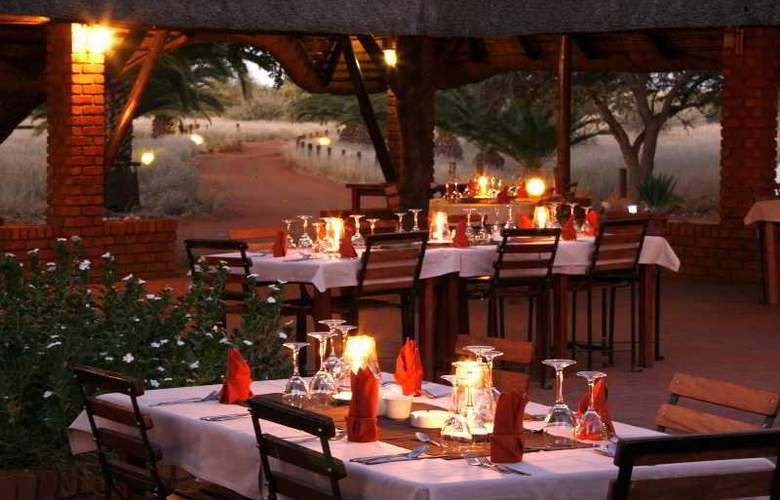 Kalahari Anib Lodge - Restaurant - 6