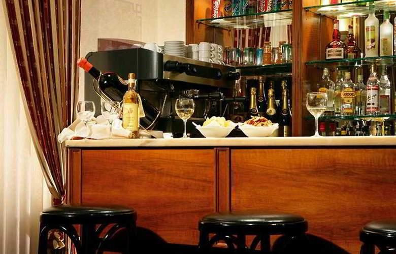 Prime Hotel Villa Torlonia - Bar - 9
