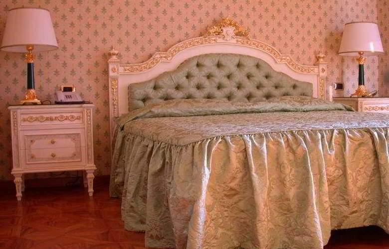 Villa Riis - Room - 0