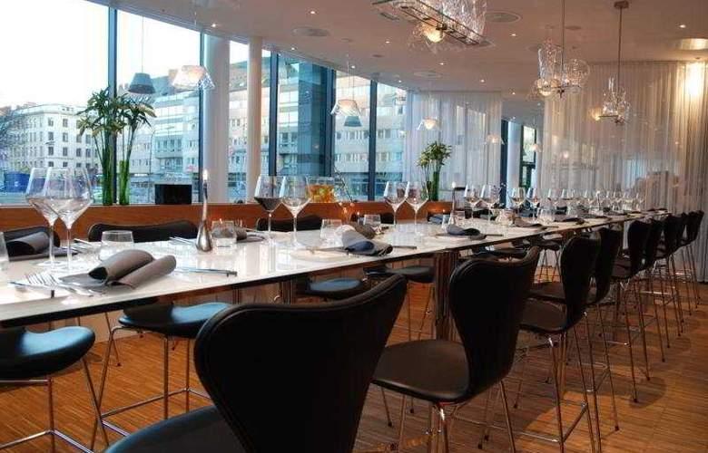 Clarion Hotel Sign - Restaurant - 5