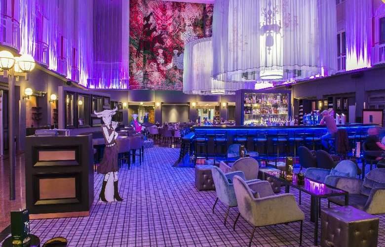 Radisson Blu Hotel Bremen - Bar - 4