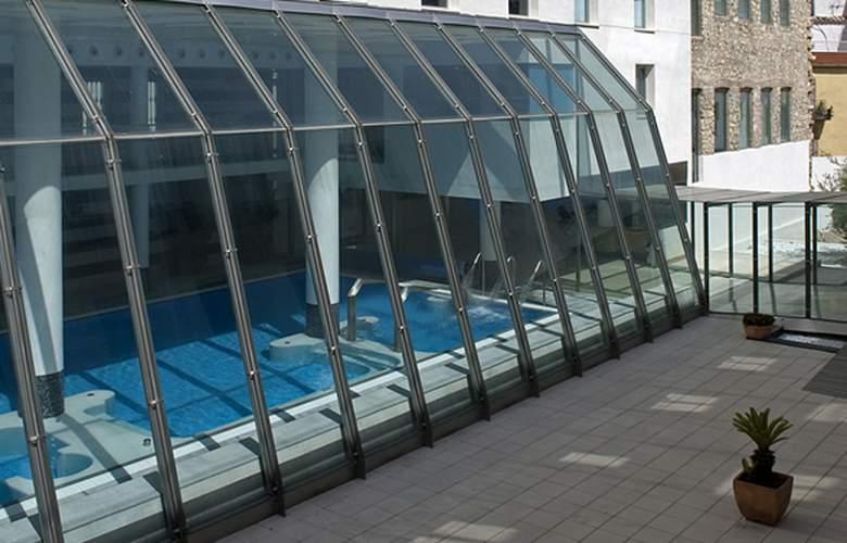 Albergue Inturjoven & Spa Jaén - Pool - 8