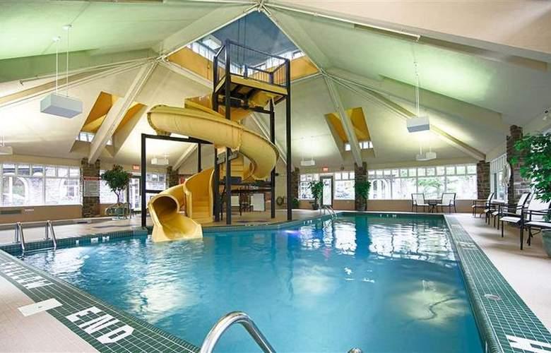 Best Western Plus Pocaterra Inn - Pool - 140
