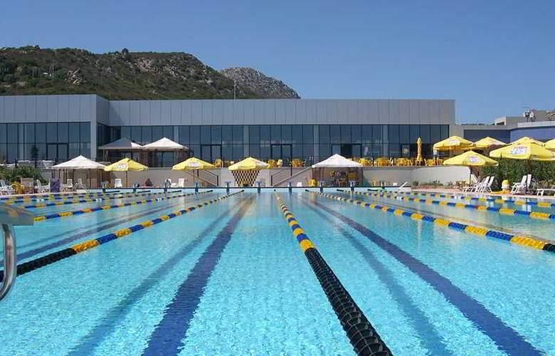 Geovillage Sport & Wellness Resort - Pool - 5