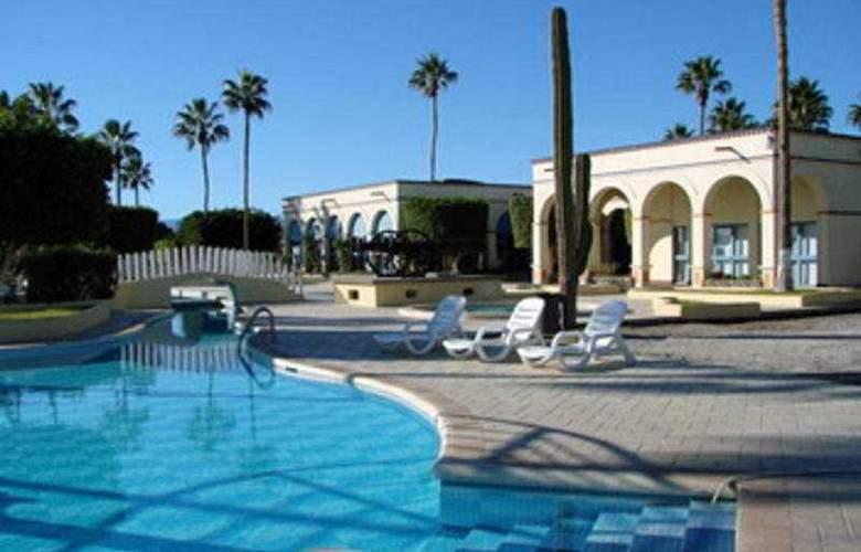 Desert Inn Loreto - Hotel - 0