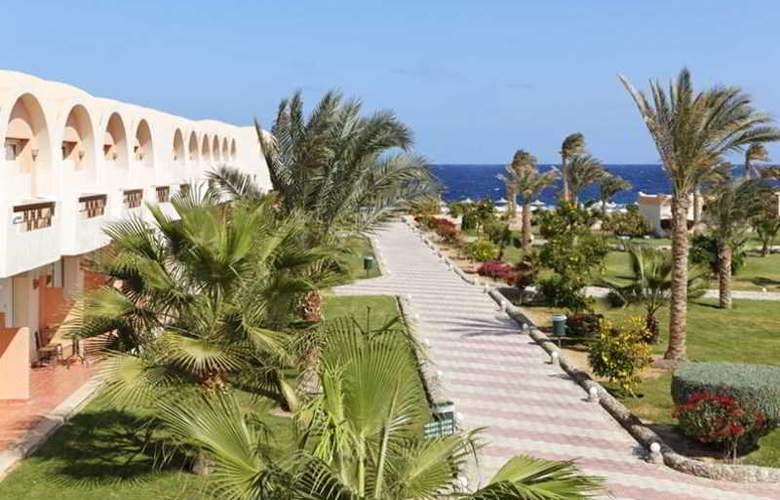 Three Corners Sea Beach Resort - Hotel - 9