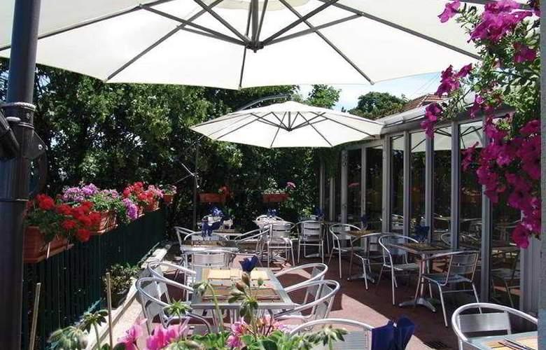 Comfort Porte d'Ivry Paris - Terrace - 7