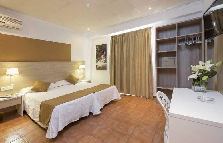 Hostal Adelino - Hotel - 6