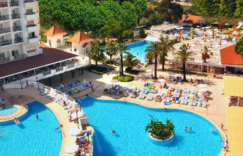 Serenis Hotel - Pool - 15