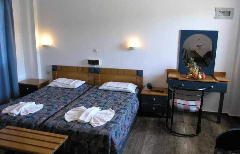 Koukouras - Room - 2