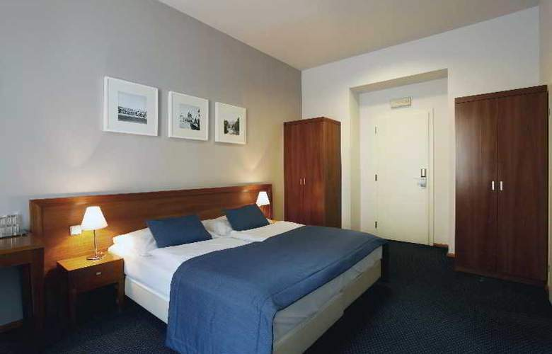 CAROL - Room - 20