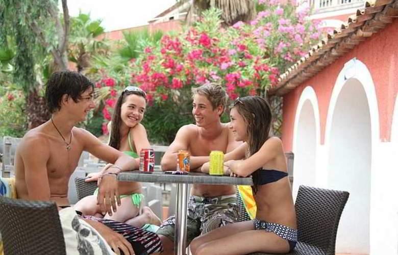 Pierre et Vacances Village Club Les Restanques du Golfe de Saint-Tropez - Bar - 24
