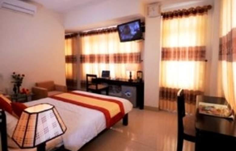 Canary Hotel Hue - Room - 0