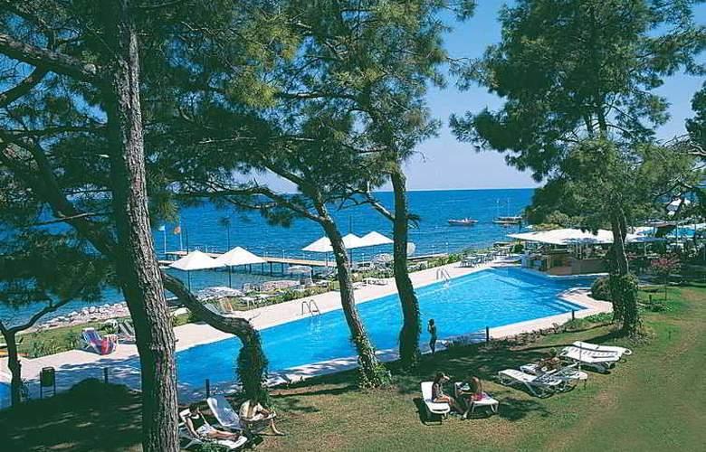 Club Hotel Rama - Pool - 5