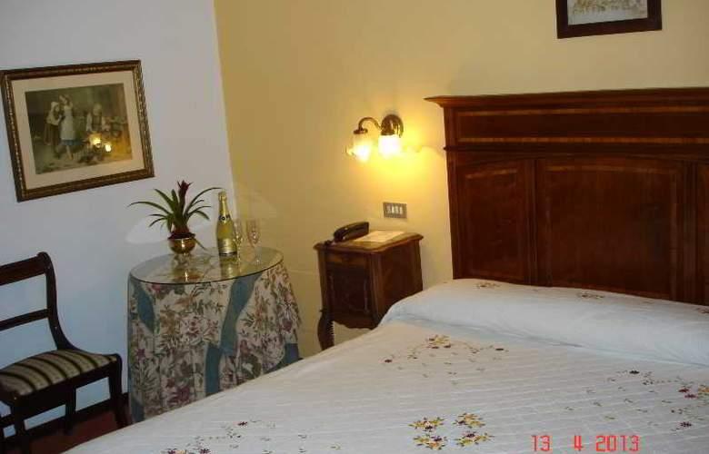 Santillana - Room - 6
