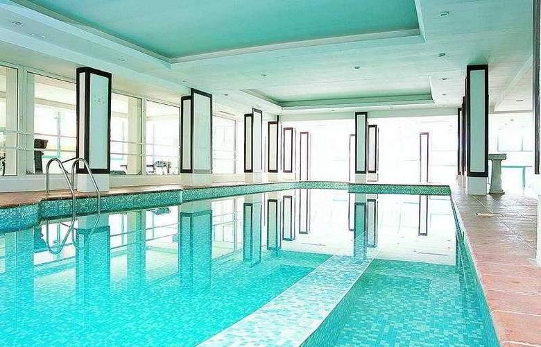 Emirhan Garden - Pool - 3