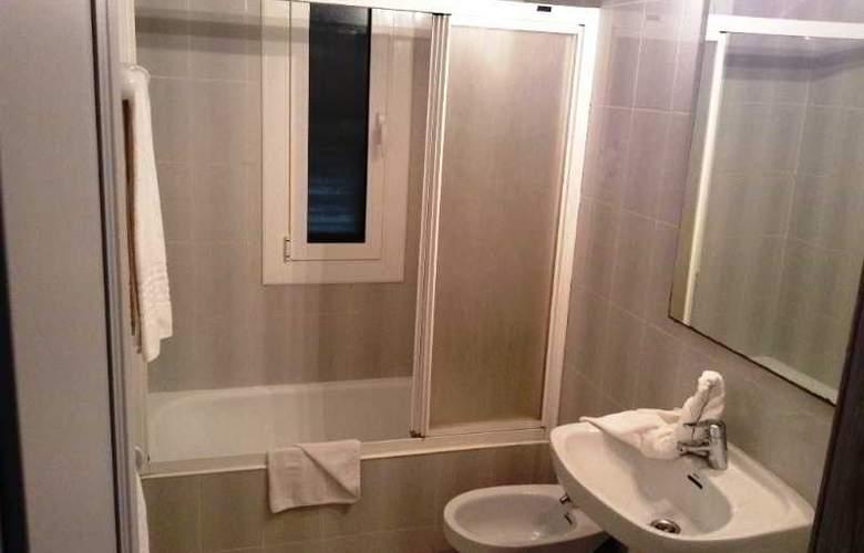 Apartamentos Turísticos Royal Life - Room - 16