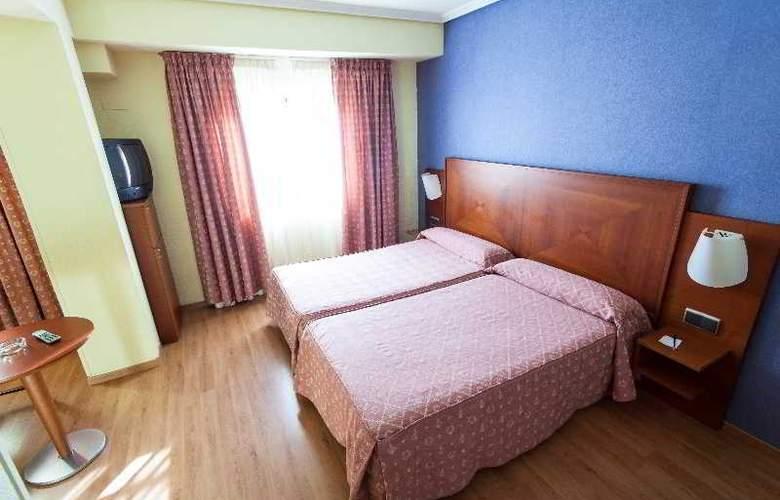 Apartamentos Torreluz - Room - 7