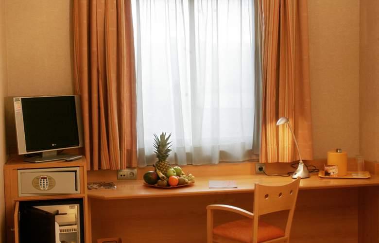 Posadas de España Pinto - Room - 11