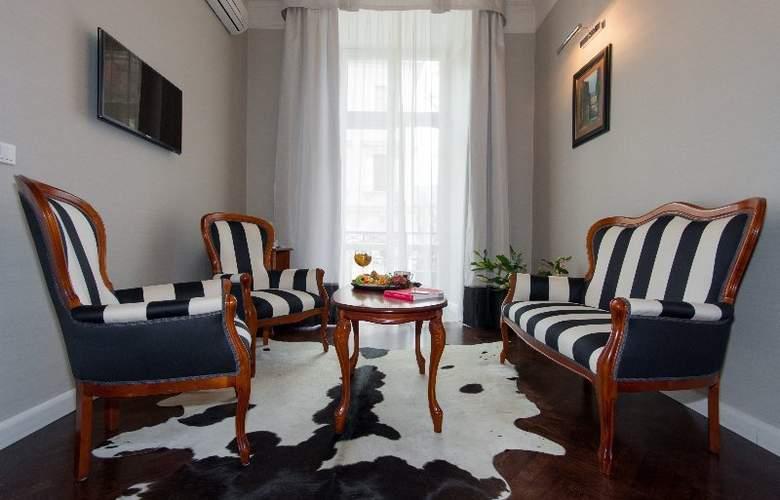 Senacki - Room - 7