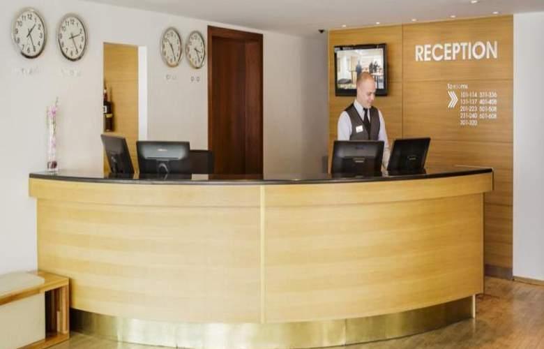 Centerhotel Plaza - General - 12