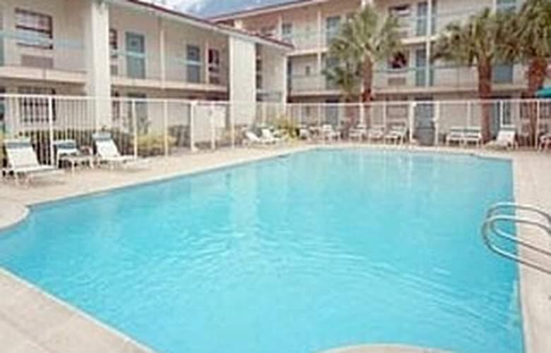 La Quinta Inn New Orleans West Bank - Pool - 5