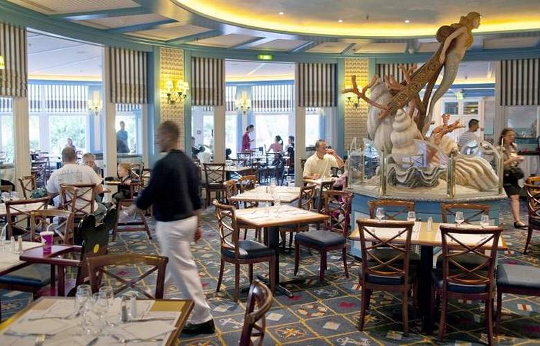 Disney's Newport Bay Club - Restaurant - 12