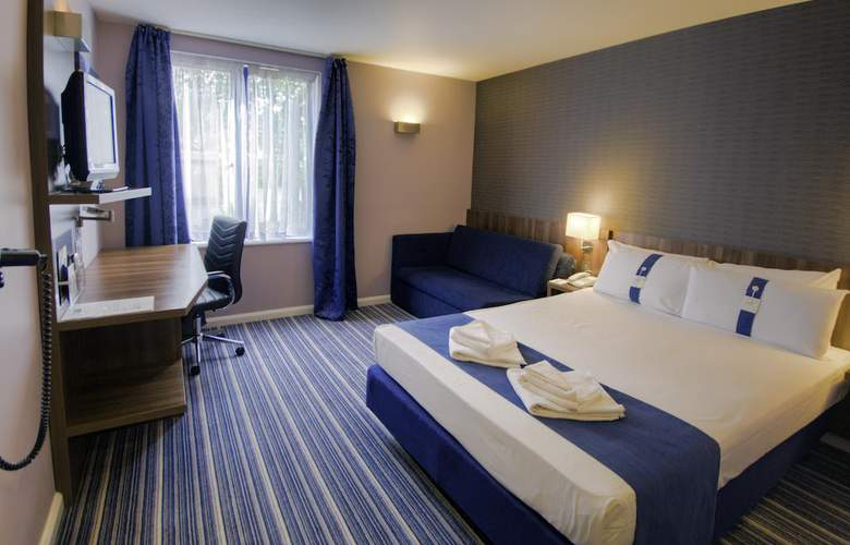 Holiday Inn Express Poole - Room - 9