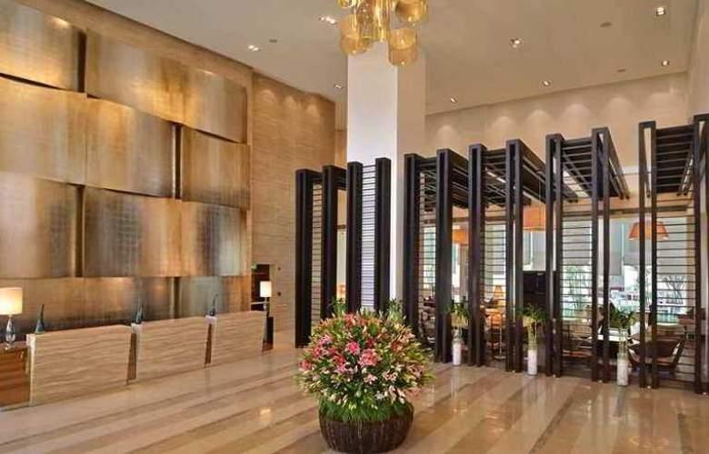 Hilton Garden Inn Gurgaon Baani Square - General - 3