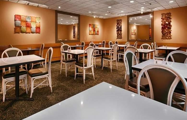Best Western The Plaza Hotel - Restaurant - 75