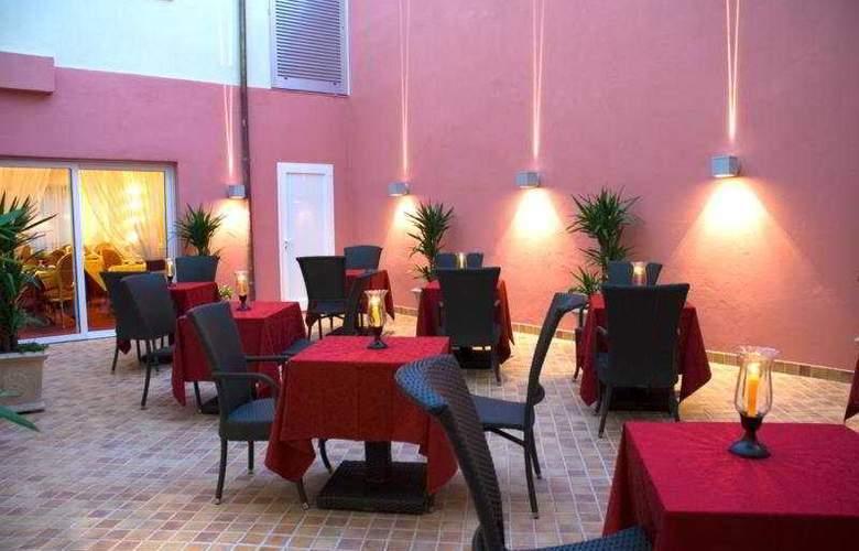 San Miguel - Restaurant - 3