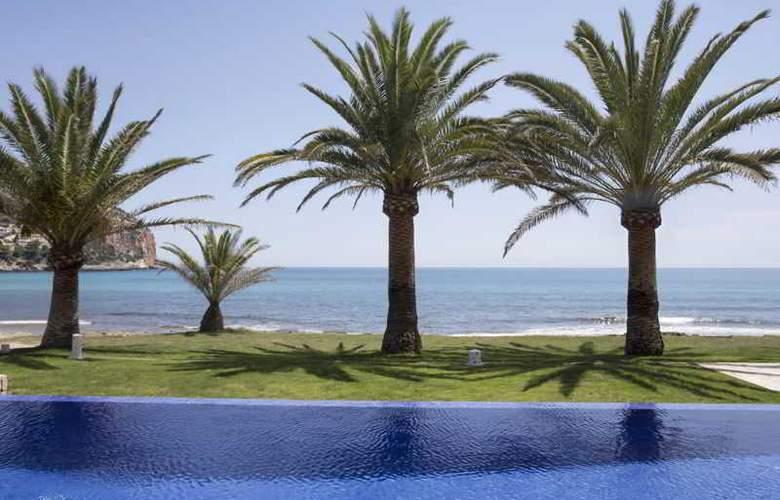 Melbeach Hotel & Spa - Pool - 2