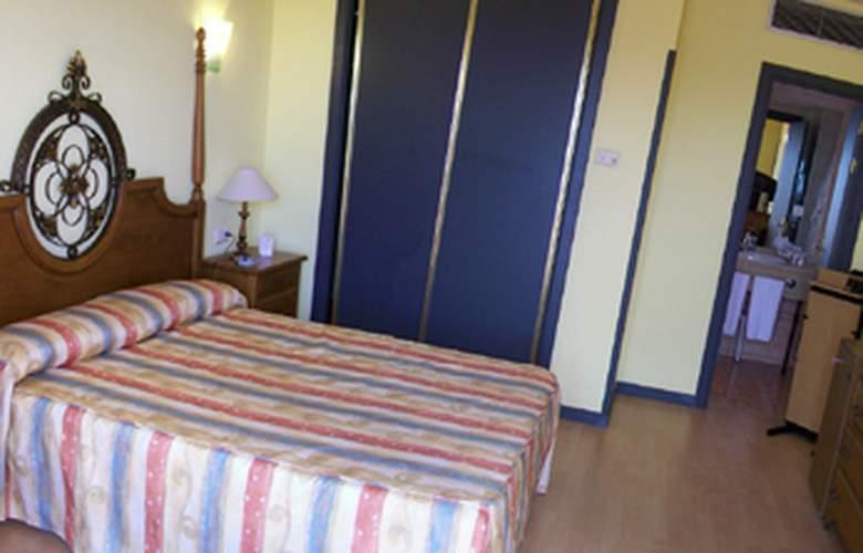 JM Puerto del Rosario - Room - 6
