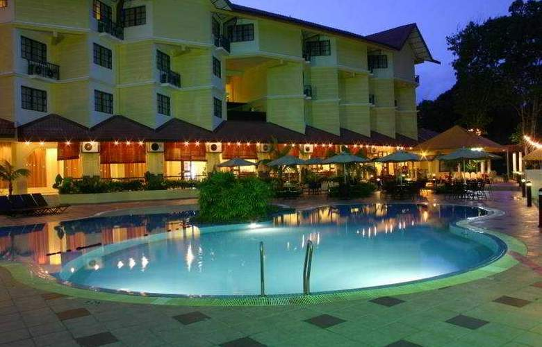 Suria Cherating Beach Resort - Pool - 5