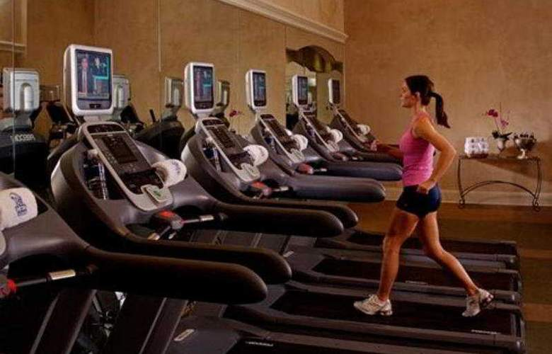 Courtyard by Marriott New Orleans French Quarter/Iberville - Sport - 8