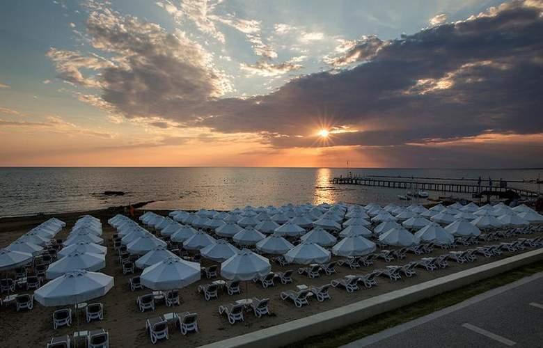 The Sense De Luxe - Beach - 30