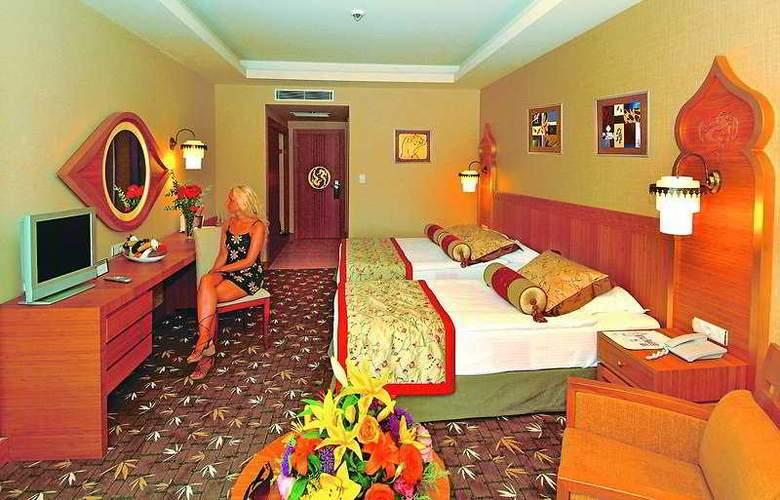 Royal Dragon Hotel - Room - 3