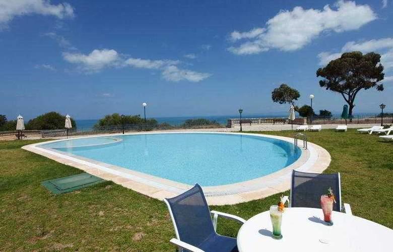Golden Tulip Carthage Residence - Pool - 4