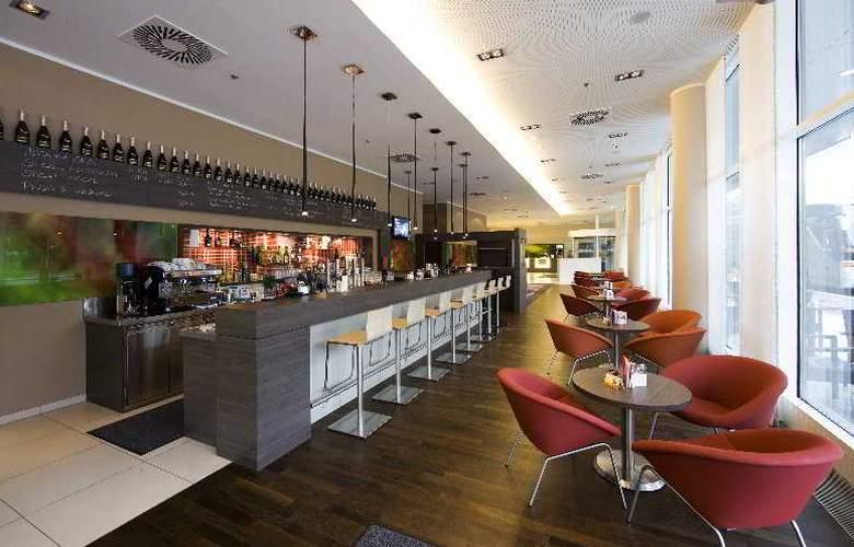 Park Inn By Radisson Linz - Bar - 4